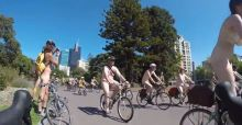 Cyclistes nus contre les accidents de la route et la pollution, balade hot à Melbourne: les photos